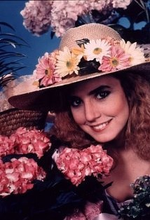 "Dana Plato, born in 1964.played the part of Kimberly Drummond in the TV sitcom ""Diff'rent Strokes""(1978) from 1978-1984. After the series ended, Dana could not find acting work.She was arrested twice.Things worsened.On Saturday, May 8, 1999, Dana died of what appeared to be an accidental overdose of a painkiller called ""Loritab"". Later, on May 21, a coroner's inquest ruled her death a suicide due to a large amount of drugs in her body and her history of suicide attempts.She was 34 years old."