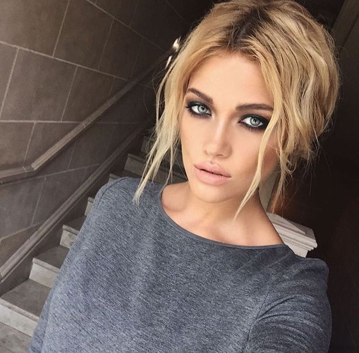 Smoky eyes for blonde