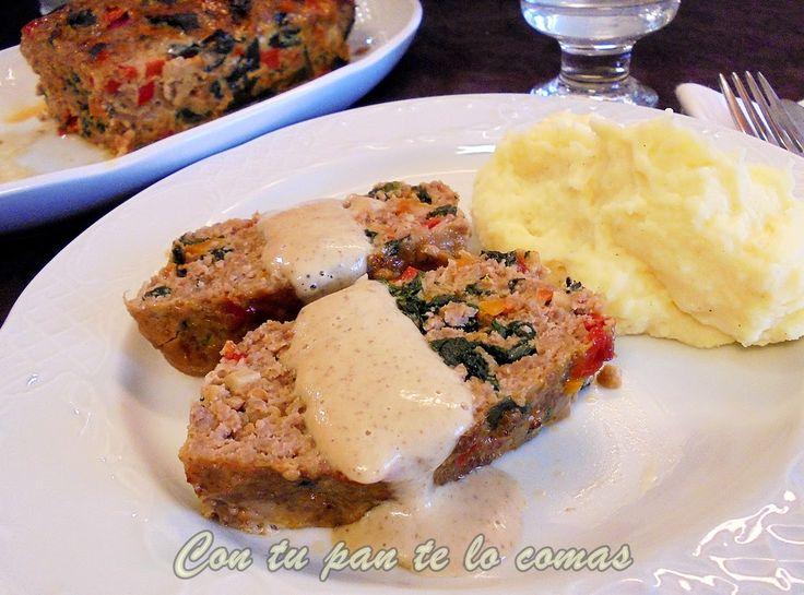 PASTEL DE CARNE Y VERDURAS- 500 gr. de carne picada cebolla zanahoria - pimiento rojo tomate espinacas ajo huevos - sal y aceite de oliva