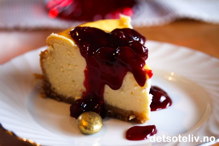 Greek Yogurt Cheesecake med kirsebærsyltetøy