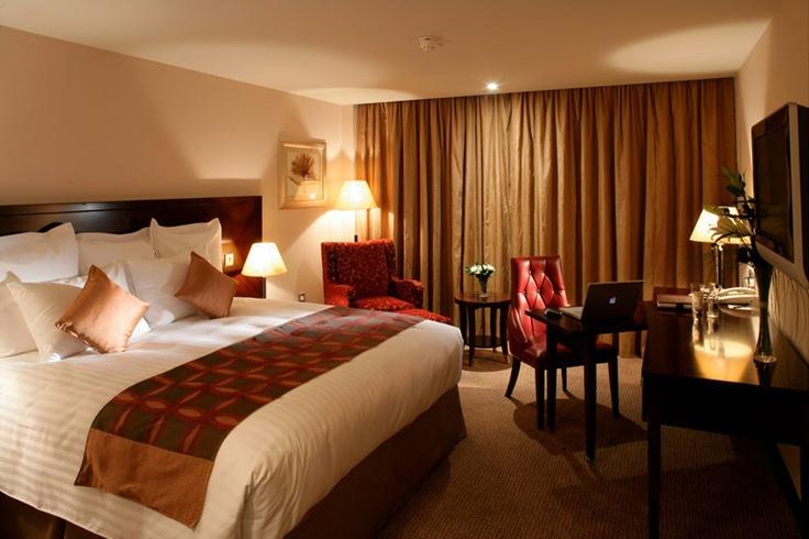 Marriott Hotel Bedroom © David Cantwell Photography