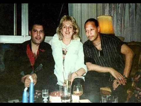 Freddie, Barbara Valentin, Peter Straker.