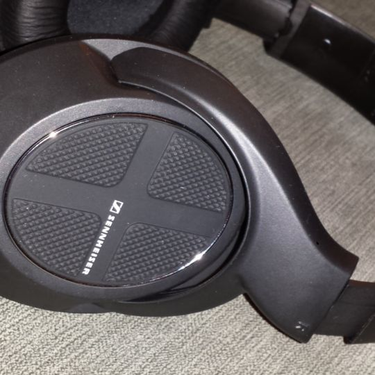 Sennheiser Noise Cancelling Headphones. Comfortable. Great noise reduction.  Great sound. Good Bass. Learn more at http://www.tiotil.com/content/sennheiser-noise-cancelling-headphones