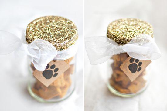 15 DIY Dog Christmas Gifts for Dogs & Dog Lovers | Pretty Fluffy | Pretty Fluffy