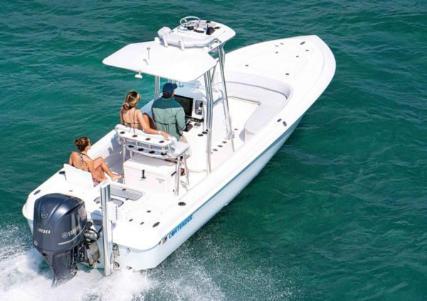 2016 Fishing Boat Buyers Guide: Contender Boats 25 Bay | Salt Water Sportsman