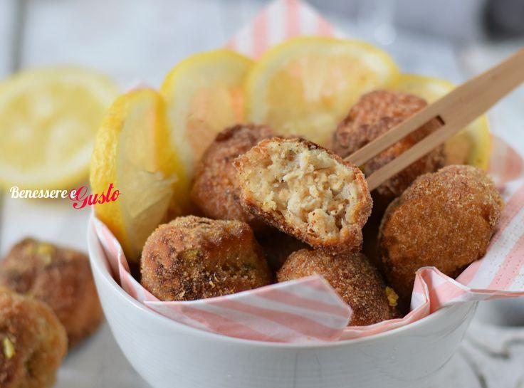 Polpette di pollo al limone cotte al forno oppure fritte, ricetta gustosa e leggera, ideale come finger food, pronte in pochi minuti