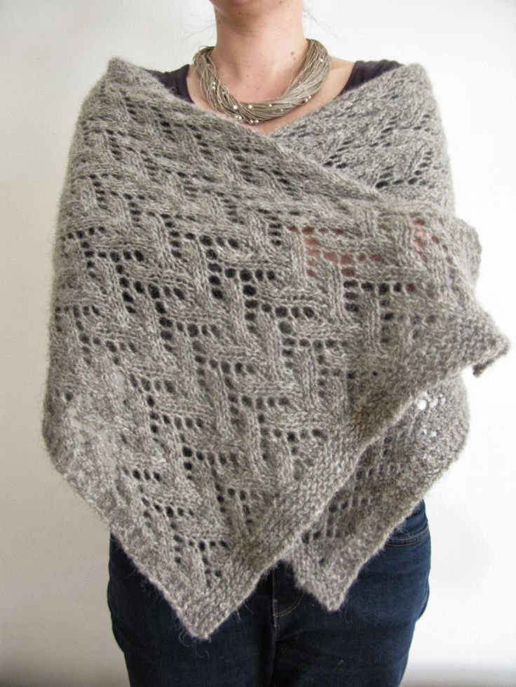 An easy lace pattern in worsted weight wool (so it's quick ...