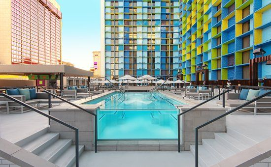 From a leaking rooftop transformed into a beautiful #rooftop pool with modern and elegant #seamless pool deck wich SEMCO Seamless Stone. Read more about it.