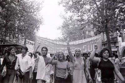 Barcelona conmemorará los 40 años de la primera manifestación del Orgullo Gay en la ciudad. Europa Press | La Vanguardia, 2017-05-26 http://www.lavanguardia.com/vida/20170526/422961970581/barcelona-conmemorara-los-40-anos-de-la-primera-manifestacion-del-orgullo-gay-en-la-ciudad.html