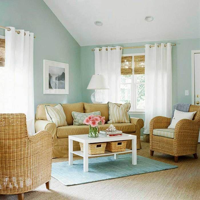Недорогие кресла для гостиной комнаты.