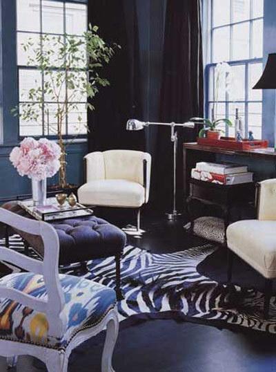 Ikat Seats Designer Miles Redd This Mixed Blue Living Room Originally Appeared In Elle Decor