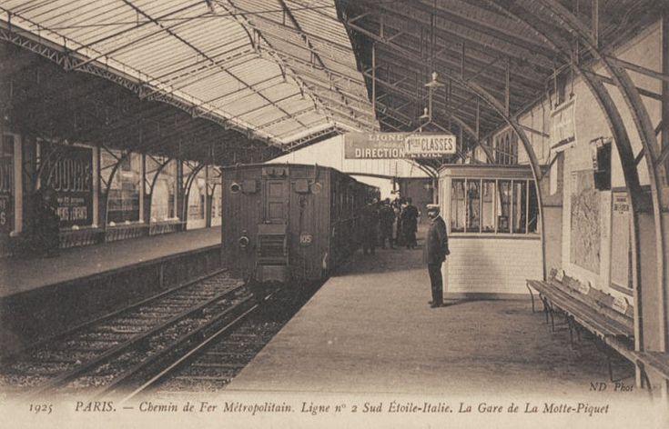 Le Métropolitain du Paris d'antan - La ligne n° 2 Sud Etoile-Italie et la Gare de La Motte-Piquet, vers 1910.