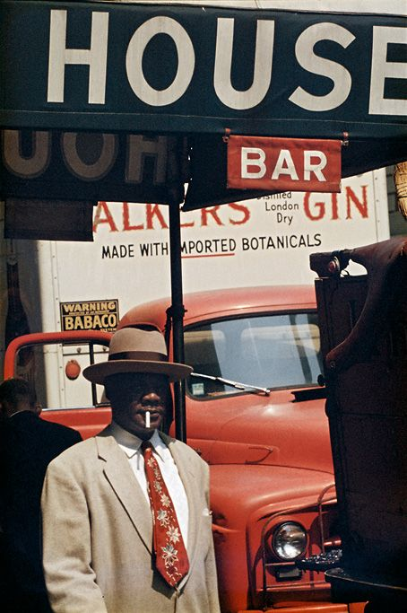 Saul Leiter - 1950,s - Leiter was using Kodachrome colour slide film for his free artistic shots.    #photography #kodachrome