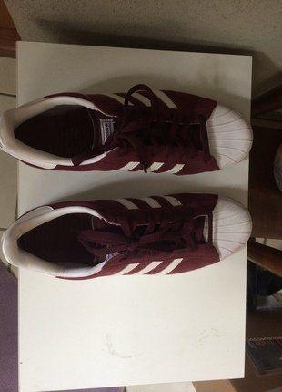 À vendre sur #vintedfrance ! http://www.vinted.fr/mode-hommes/baskets/36640122-adidas-superstar-rouge-bordeaux