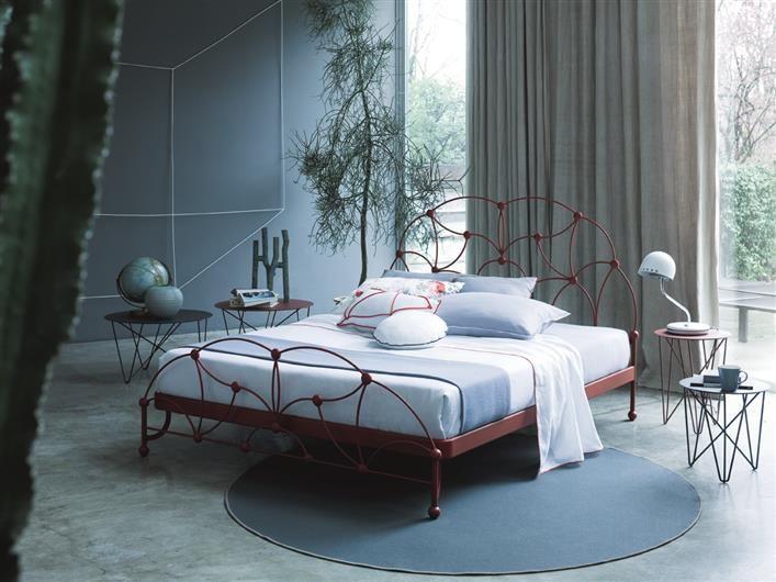 Memory bed