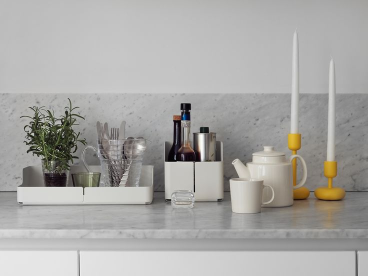 The Nappula candleholder by Iittala is now available in yellow. Nappula is already an icon in the making. Another one of our autumn 2014 novelties is the Aitio box by Cecilie Manz.