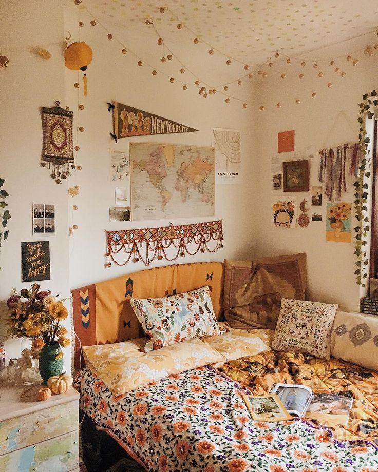 """Daisy 💛 auf Instagram: """"cosy room vibes ✨ was ist dein Lieblingscosy oder …."""