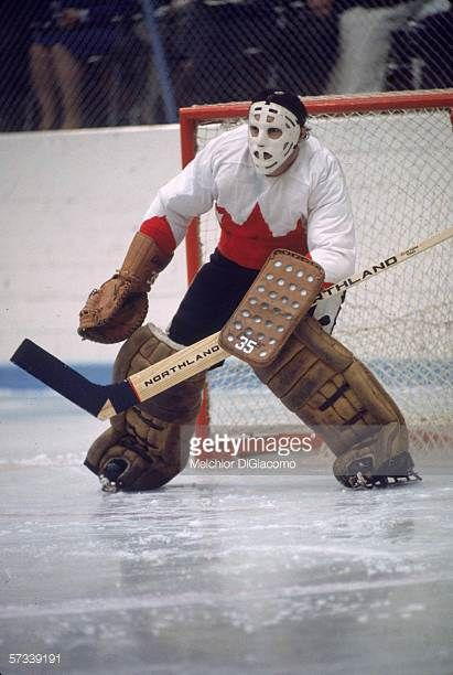 canadian-hockey-player-tony-esposito-goalie-for-team-canada-guards-picture-id57339191 (411×612)