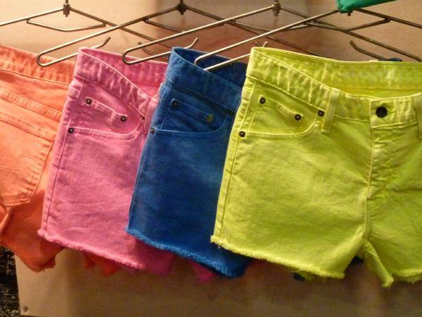 neon. neon. neon. neon.: Neon Shorts, Random Pins, Neon Colors Shorts, Fashion Hair, Summer Colors, Denim Shorts, Summer Shorts, Colors Denim, Bright Colors