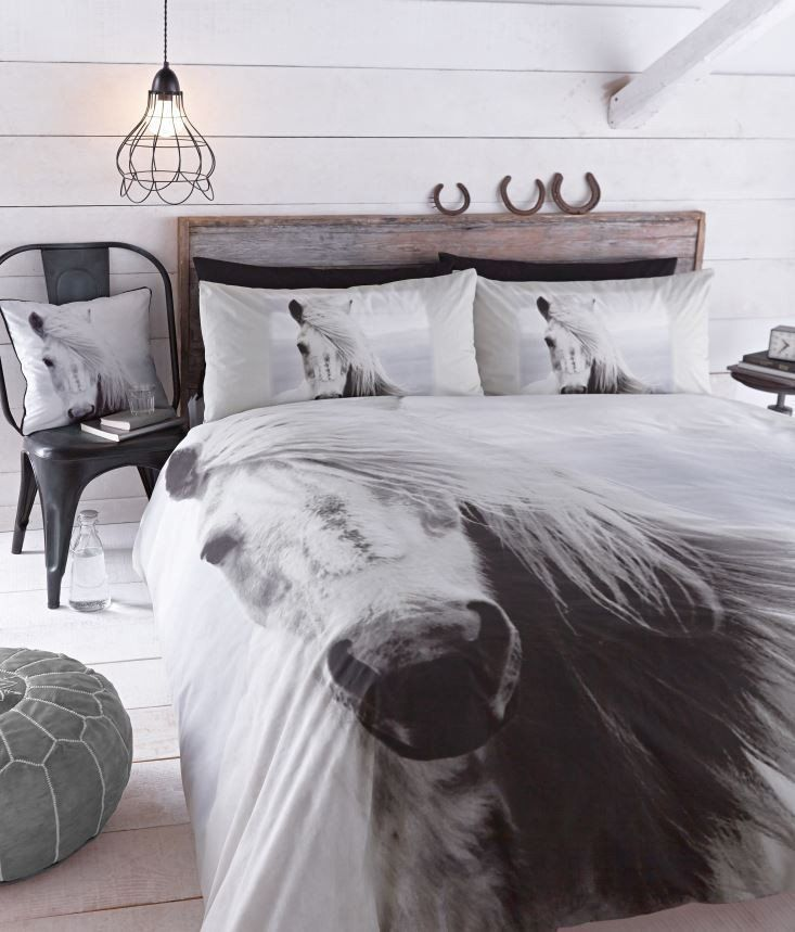Catherine Lansfield Black and White Horse Duvet