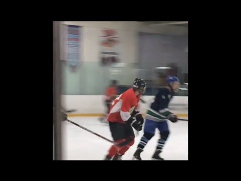 Justin Bieber Avoids Reactivating His Instagram Account With A Game Of Hockey - http://oceanup.com/2016/08/17/justin-bieber-avoids-reactivating-his-instagram-account-with-a-game-of-hockey/