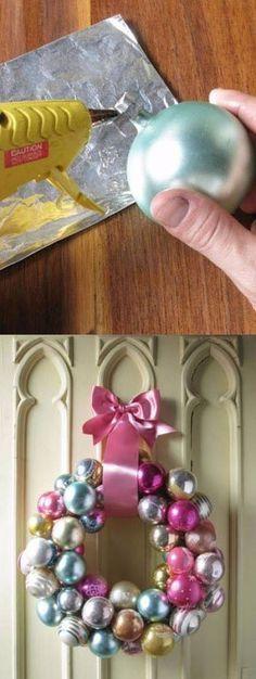 Corona de navidad para puerta diy facil percha de ropa
