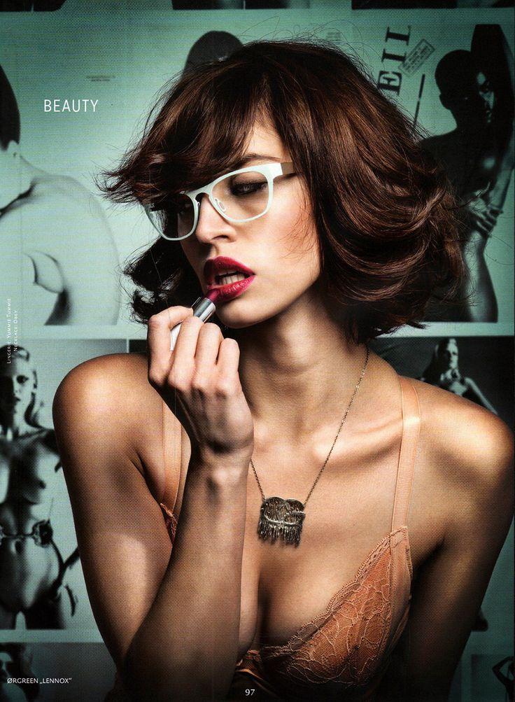 Lennox flaunts her feminine beauty in matt clay and shiny gold.
