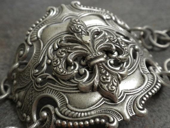Silver Fleur de Lis Bracelet by Serrelynda on Etsy, $48.00
