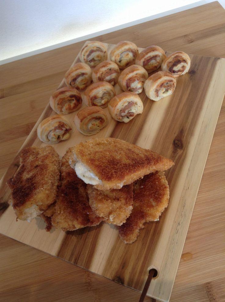 Nog een laatste recept maakte ik als Bloginsider voor Uit Pauline's keuken: mini cordon bleu met Boursin en ham. En ja, ook dat zelfbedachte recept pakte verduiveld goed uit! Je kunt ze natuurlijk ook als grote variant maken voor bij de avondmaaltijd. Maar deze kleintjes zijn zeker een absolute aanrader! Dit heb je nodig (voor...Read More »