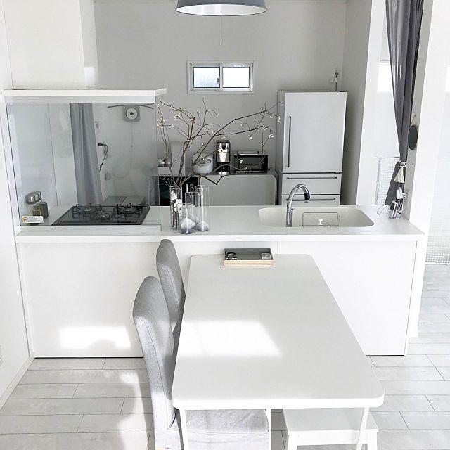 R.Y.TさんのOverview 無印良品 IKEA シンプル ホワイトインテリア 二階リビング ホワイト 狭小住宅 グレー ソストレーネグレーネ LIXIL グレーインテリア リクシルキッチン 建築条件付きに関する部屋写真