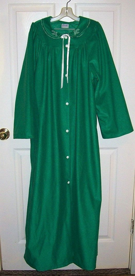 Vintage Ladies Green Flannel Full Length Maxi Robe by Carole Medium Only 8 USD by SusOriginals on Etsy