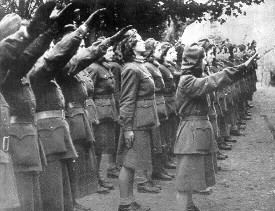 Tra ausiliarie, delatrici e spie, il ruolo delle donne nella Repubblichetta fascista | ANPPIA