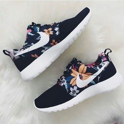 Imagen de nike, shoes, and flowers