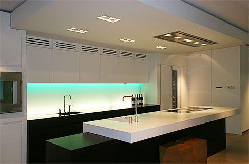 die besten 17 ideen zu glasr ckwand k che auf pinterest glasr ckwand k chenr ckwand glas und. Black Bedroom Furniture Sets. Home Design Ideas