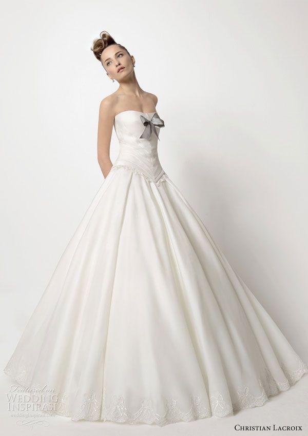 希少価値の高いクリスチャンラクロワのウェディングドレス10選をご紹介♡にて紹介している画像