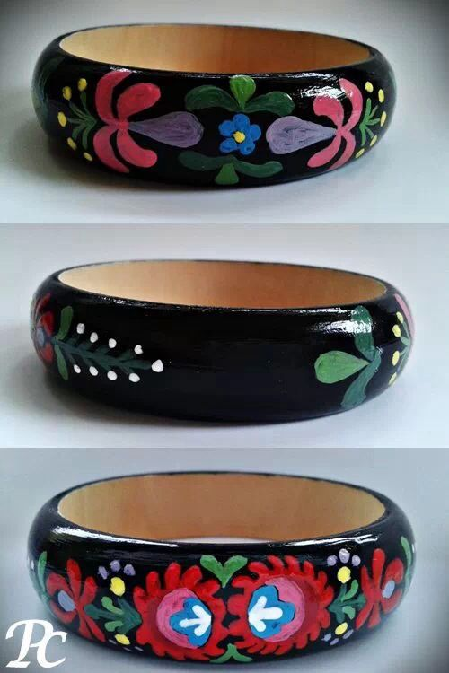 Black kalocsai handmade painted bracklet