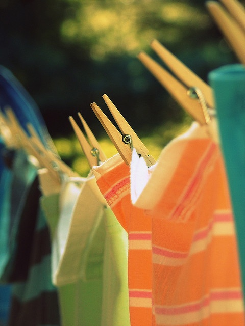 Love clothes hangin on the line...they smell so good:)