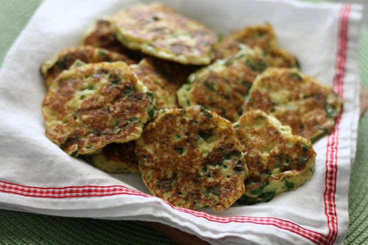 Rich and creamy ricotta paired up with Parmesan cheese and fresh spinach and lightly fried making these ricotta and spinach fritters the perfect snack.