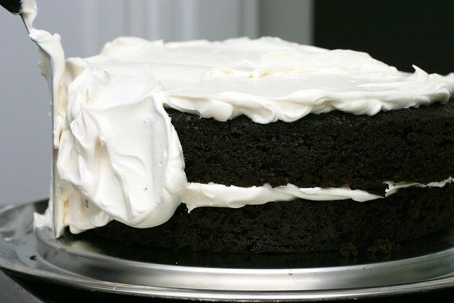 Homemade devil dog, ding dong, or Hostess cake (Pinned for the marshmallow frosting recipe)