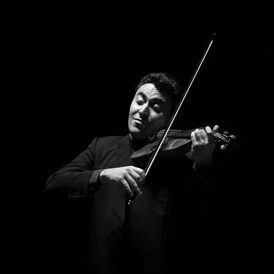 """Maxim Vengerov Toca un violín construido por Antonio Stradivarius """"Kreutzer"""" de 1727."""