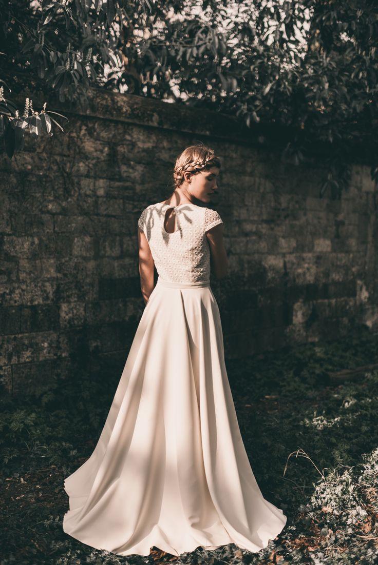 L'ivoire   Robe de mariée personnalisable - reporter sa robe de mariée - robe de mariée petit prix - robe de mariée bohème   Photographe : Julien Navarre  Modèle : Océane Le Ny