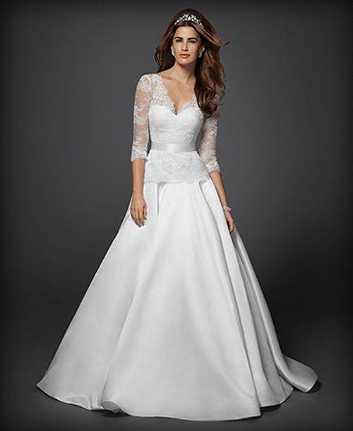 Vestido de novia con mangas largas de encaje - Foto: Diseño de Rami Kashou