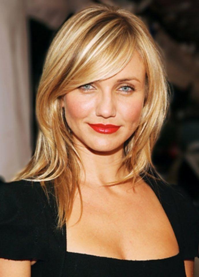 Medium Blonde Hairstyle With Bangs Blonde Highlights Pinterest