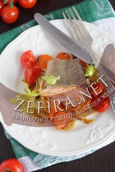 Форель запеченая с овощами