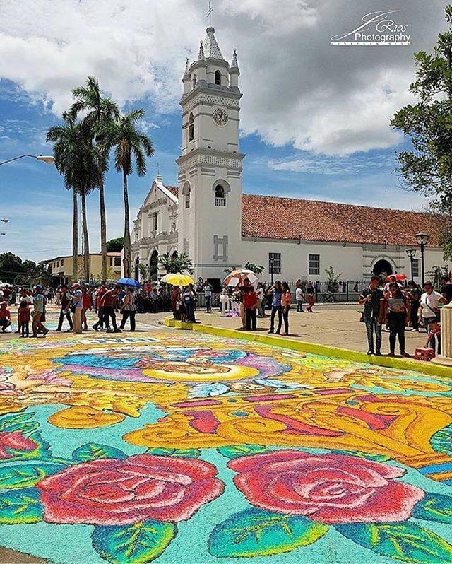 """Las fiestas del Corpus Christi en La Villa nos encanta. Es alegre, colorida y tradicional. Visita La Villa o Parita y lo disfrutarás. Al fondo Iglesia San Atanasio. #Repost @chitre_progresa 📷 @jriosr06 🎉🎉🎉 #travelinfopanama"" by @travelinfopa (Travel Info Panamá  🇵🇦). #turismo #instalife #ilove #madeinitaly #italytravel #tour #passportready #instavacation #natgeotravel #mytinyatlas #traveldeeper #travelawesome #travelstoke #travelwriter #lonelyplanet #instalive #ilovetravel…"