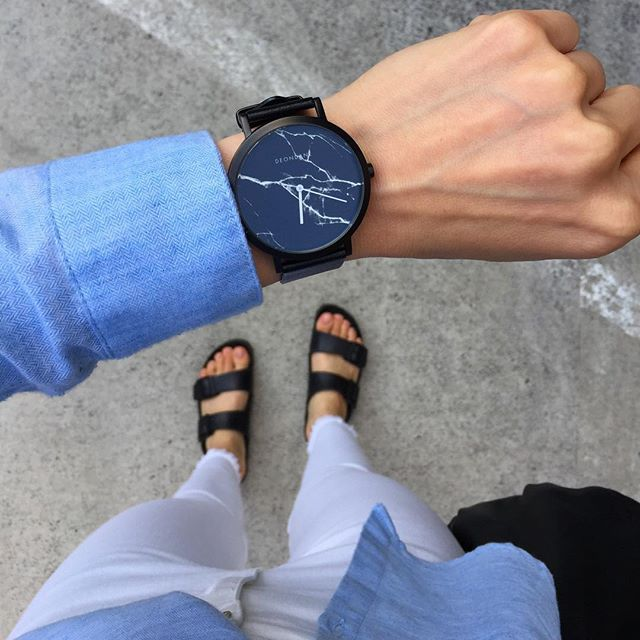 Summer style in The Black Marble 👌It's never to late to gift yourself! 😜 www.deondane.com