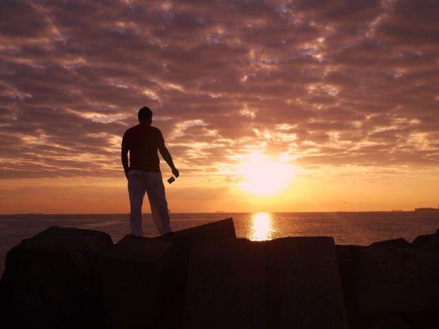 Título: Renacer Lugar: Puerto de Veracruz, México Autora: Rocío Avelino Huerta Texto: Llenar el espíritu con la luz del amanecer...