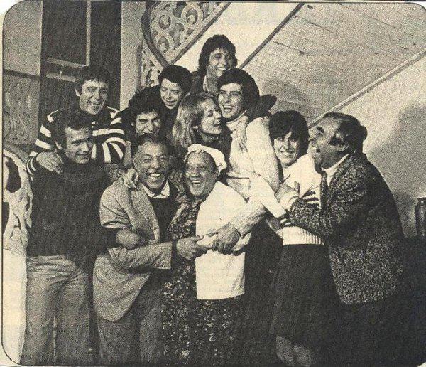 Yeşilçam       such a happy family.