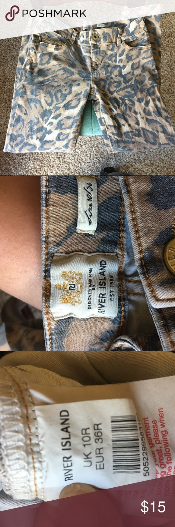 River Island leopard print jeans. UK size 10 River Island leopard print jeans. UK size 10. Quick Google search says this is equivalent to a USA size 6. River Island Jeans Straight Leg