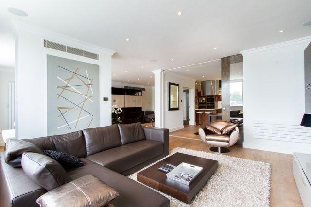 Modernes Wohnzimmer Braunes Ledersofa Niedriger Holz Couchtisch